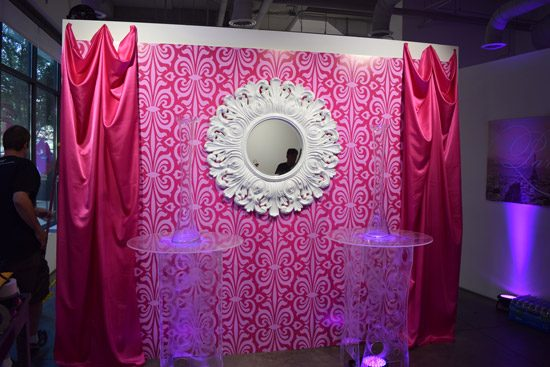 Barbie-Wall1<div style='clear:both;width:100%;height:0px;'></div><span class='cat'>Barbie</span>